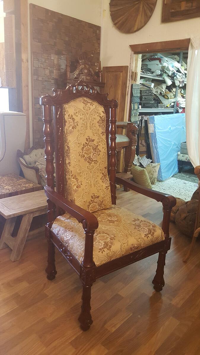 """כיסא האדמו""""ר מצאנז נתניה"""