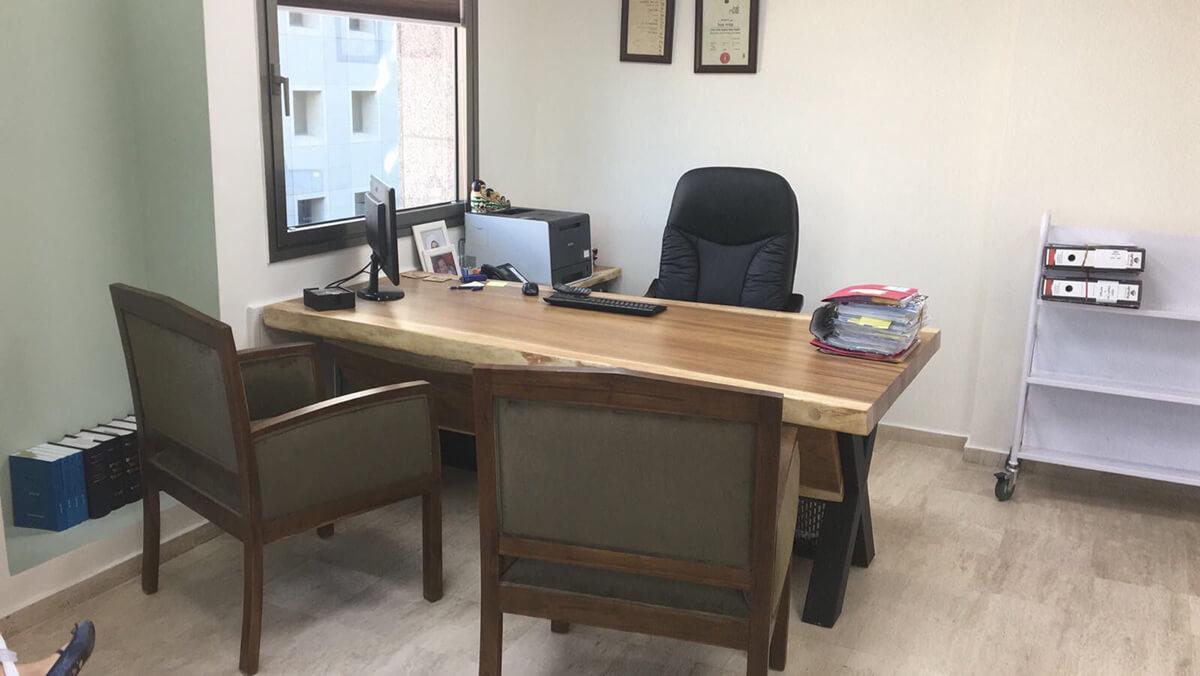 שולחן משרדי פרוסה של גזע