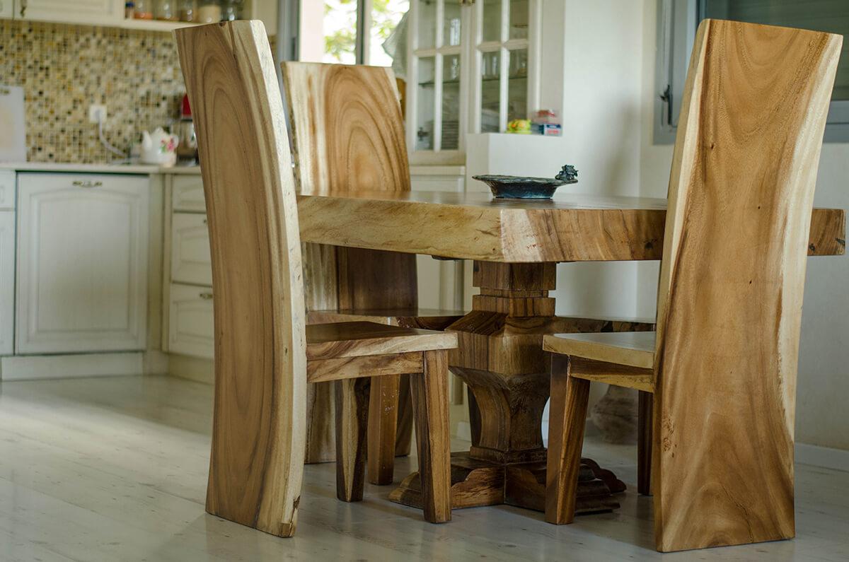 שולחן גזע פרוס עם כיסאות סט