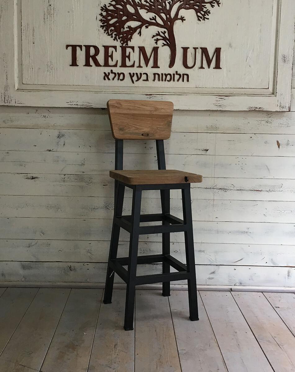 כיסא בר טיק בשילוב נפחות