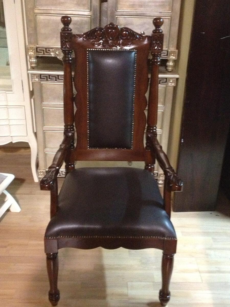 """כיסא אדמו""""ר שומרי אמונים בני ברק"""