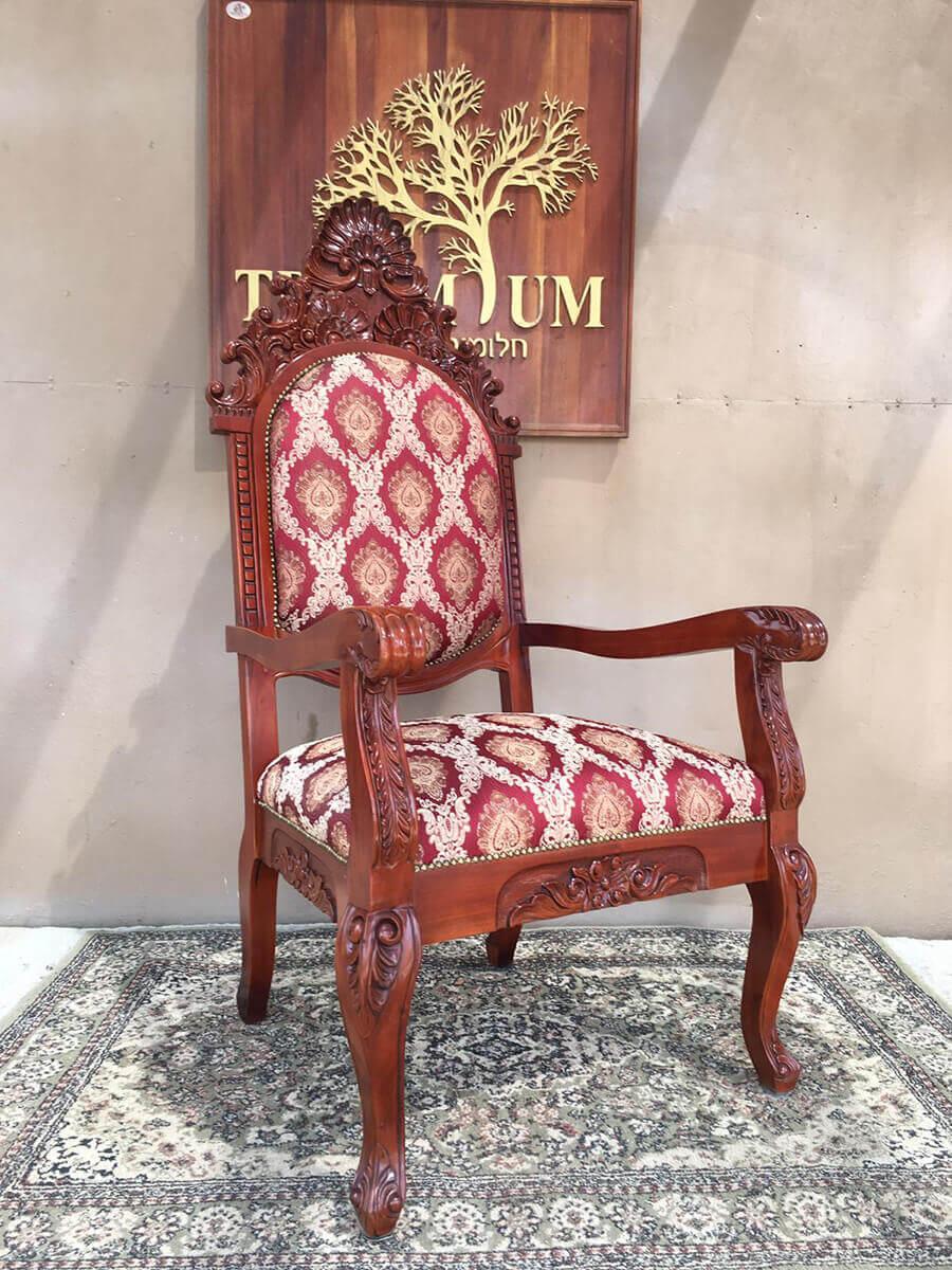 """כיסא אדמו""""ר צאנז"""