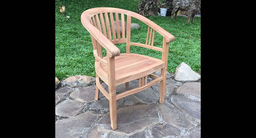"""כיסא ביטוויה מעץ טיק במחיר מבצע: 890 ש""""ח במקום 1200 ש""""ח"""