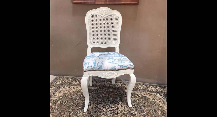 """כיסא עץ מלא גוון לבן וינטאז' במחיר מבצע: 790 ש""""ח במקום 1200 ש""""ח"""