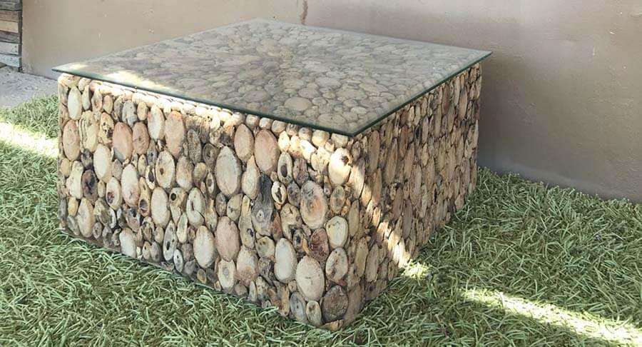 """שולחן סלוני בנוי עצי סחף במחיר מבצע: 1800 ש""""ח במקום 3200 ש""""ח"""