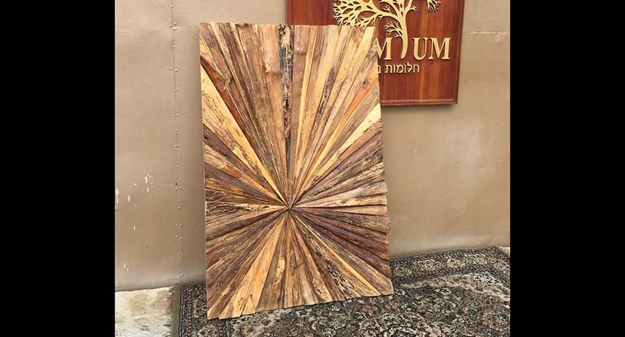 """תמונת קיר מעוצבת עץ טיק במחיר מבצע: 900 ש""""ח במקום 1260 ש""""ח"""