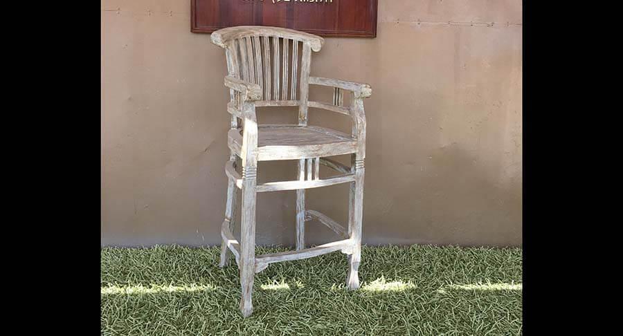 """כיסא בר ידיות עץ מלא במחיר מבצע: 1100 ש""""ח במקום 1800 ש""""ח"""