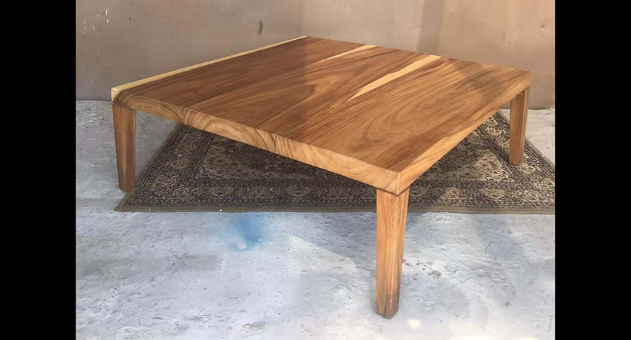"""שולחן סלוני מלבני עץ מלא במחיר מבצע: 2400 ש""""ח במקום 4000 ש""""ח"""