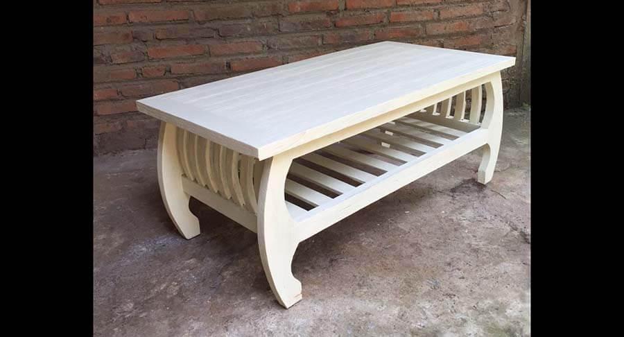 """שולחן סלוני עץ מלא במחיר מבצע: 1400 ש""""ח במקום 2400 ש""""ח"""