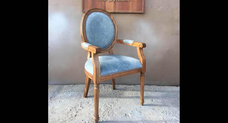 """כיסא ידיות עץ מלא אלון במחיר מבצע: 1,400 ש""""ח"""
