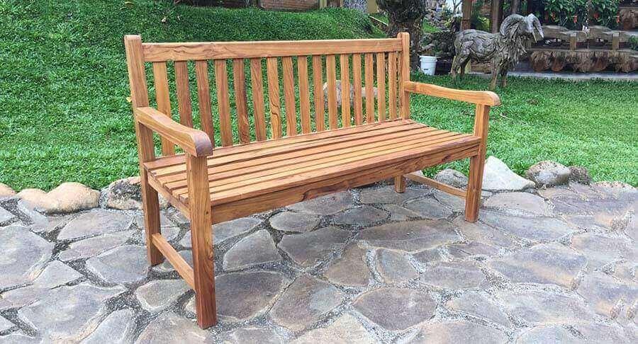 """ספסל עץ מלא טיק במחיר מבצע: 1800 ש""""ח במקום 3000 ש""""ח"""
