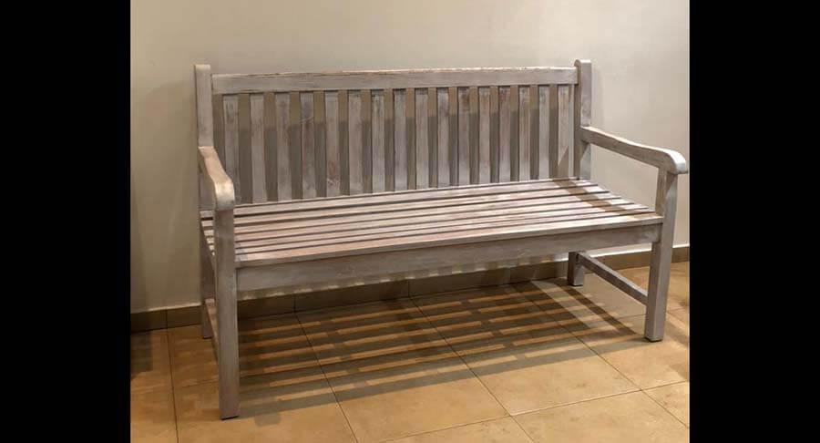 """ספסל עץ מלא טיק במחיר מבצע: 2200 ש""""ח במקום 3400 ש""""ח"""