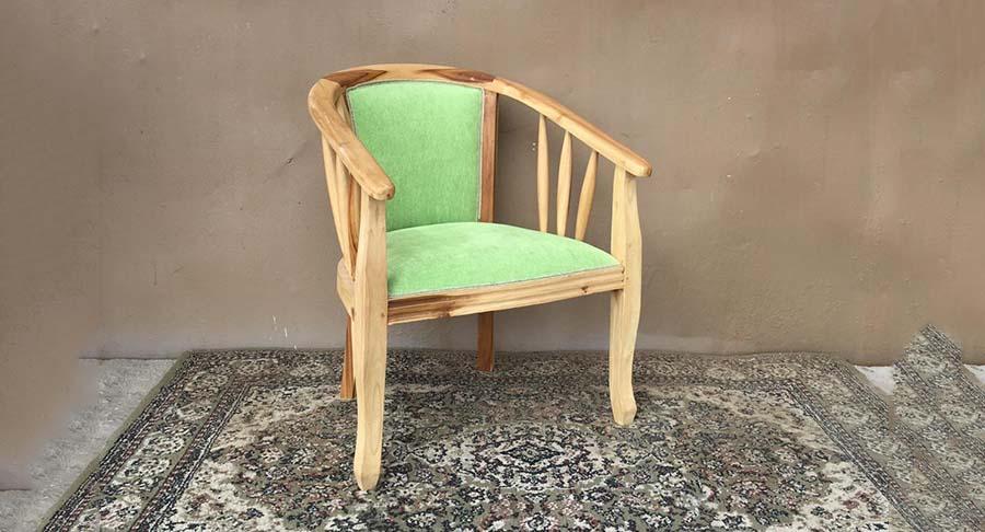 """כיסא עץ טיק במחיר מבצע: 500 ש""""ח במקום 1490 ש""""ח"""