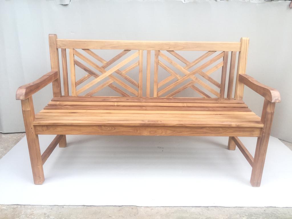 """ספסל גב איקס עץ טיק במחיר מבצע: 1,800 ש""""ח"""