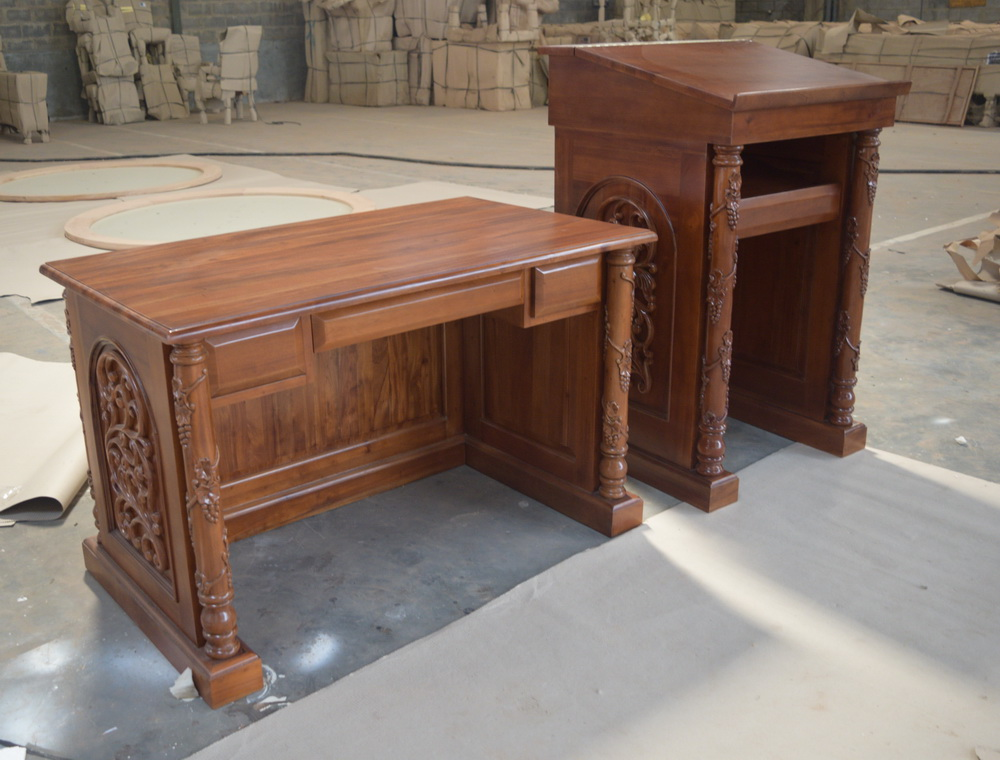 סט סטדנר ושולחן לימוד עץ מלא גילוף יד חסידות לעלוב בית שמש
