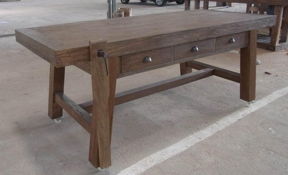 שולחן עבודה כפרי בסגנון שולחן נגרים