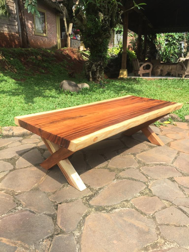 """שולחן סלוני גזע פרוס ללא חיבורים רגל עץ במחיר מבצע 4500 ש""""ח"""
