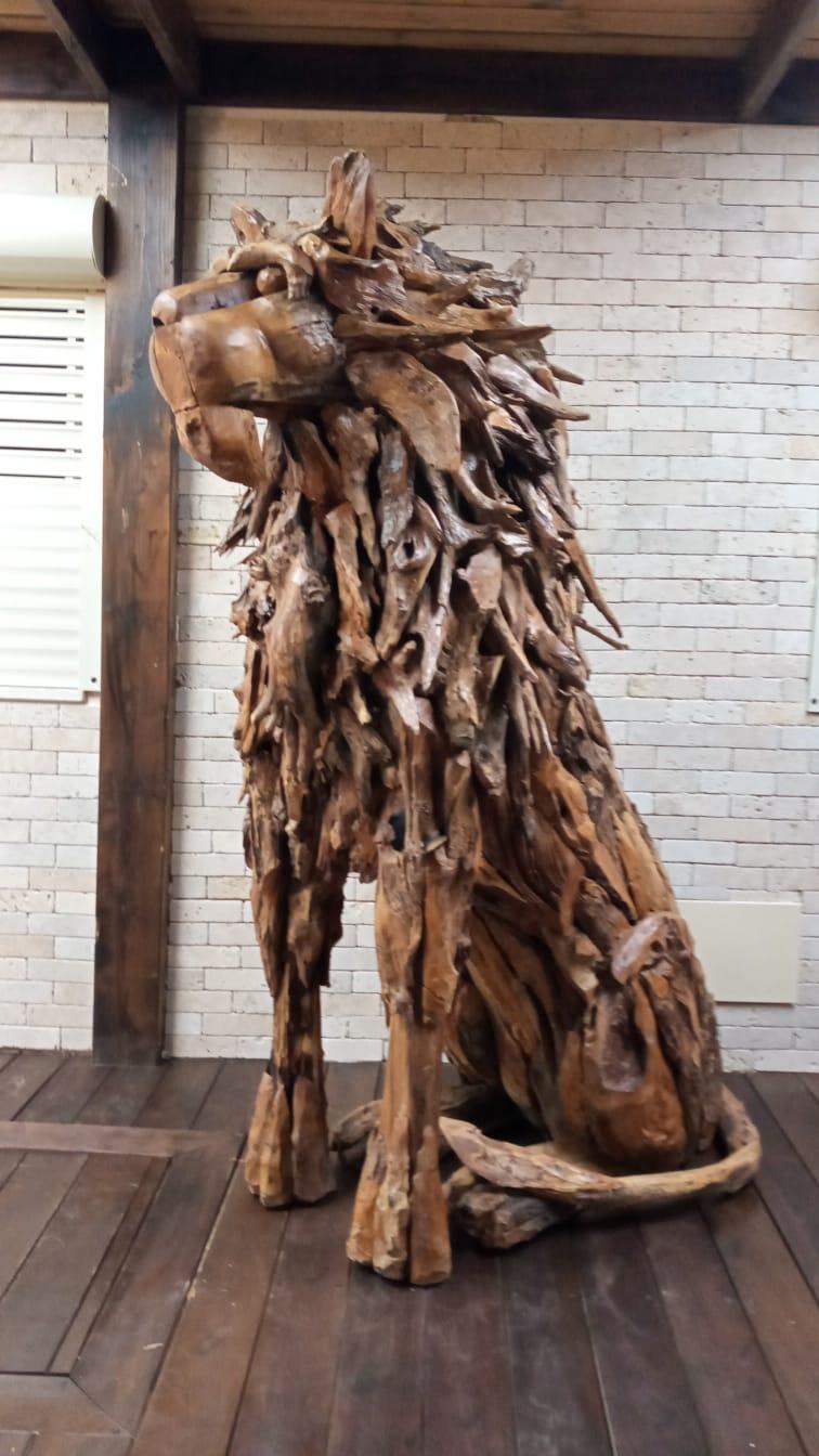 """אריה דקורטיבי עבודת יד גובה 220 ס""""מ"""