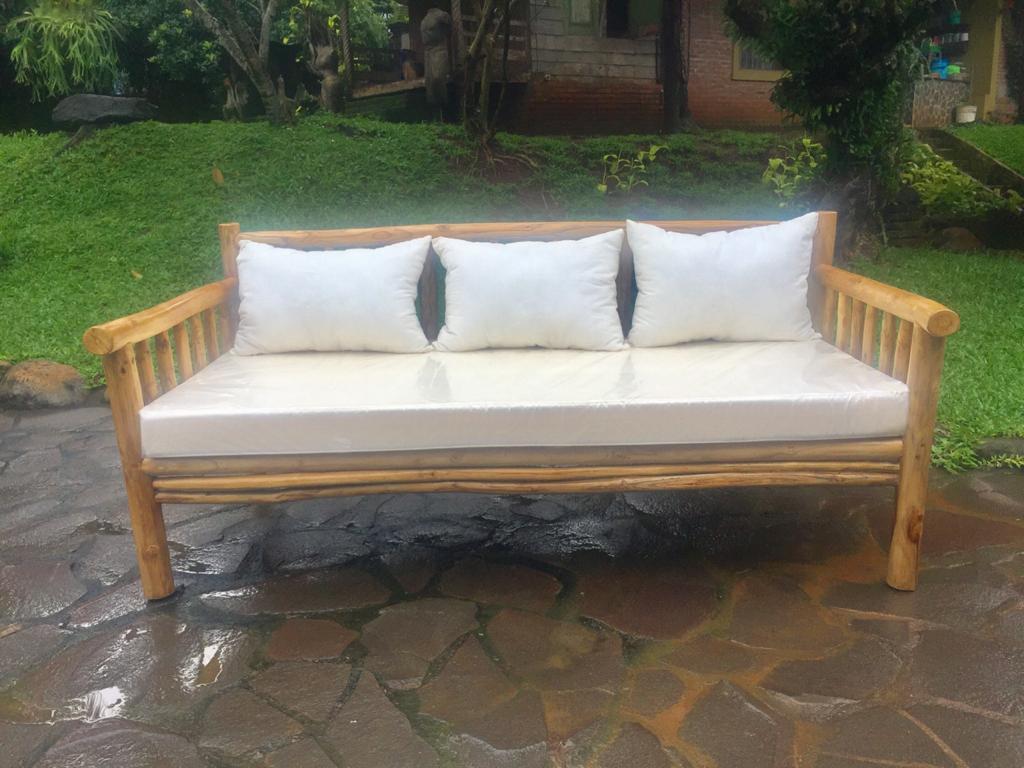 """ספה טיק עם מזרונים 180 ס""""מ"""
