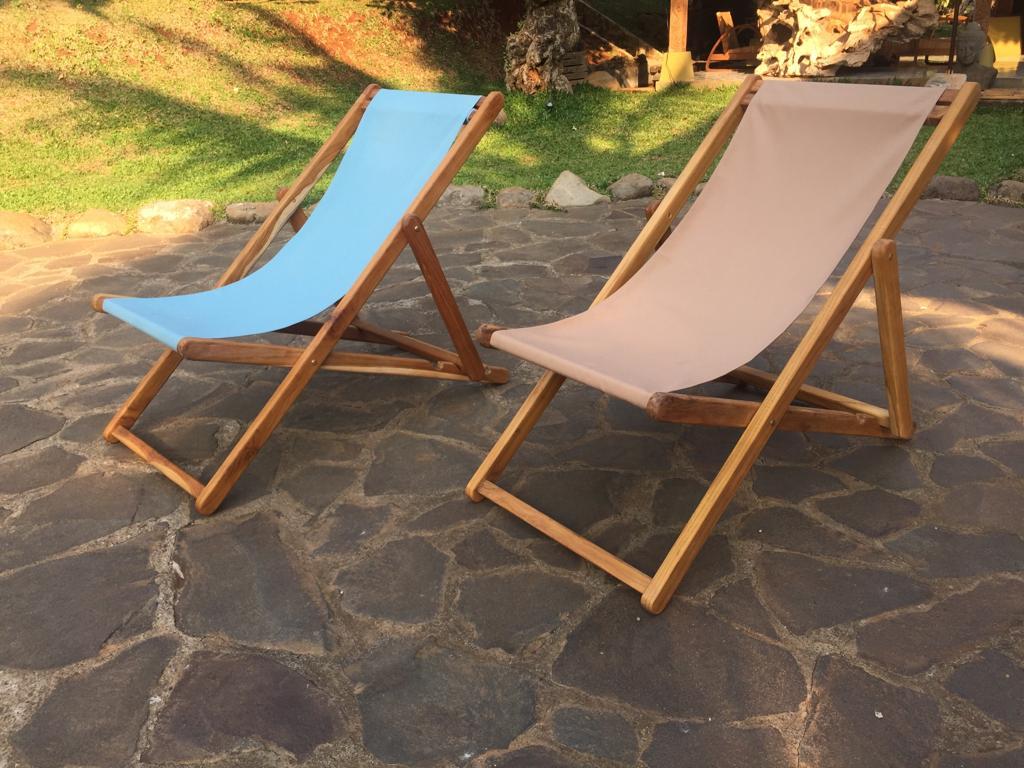"""כיסא בריכה מתקפל שלד עץ טיק במחיר מבצע: 790 ש""""ח"""
