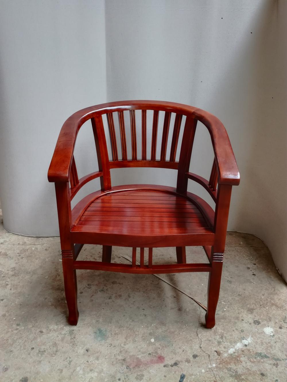 """כיסא דגם betawi ord.2381 במחיר מבצע: 1,100 ש""""ח"""