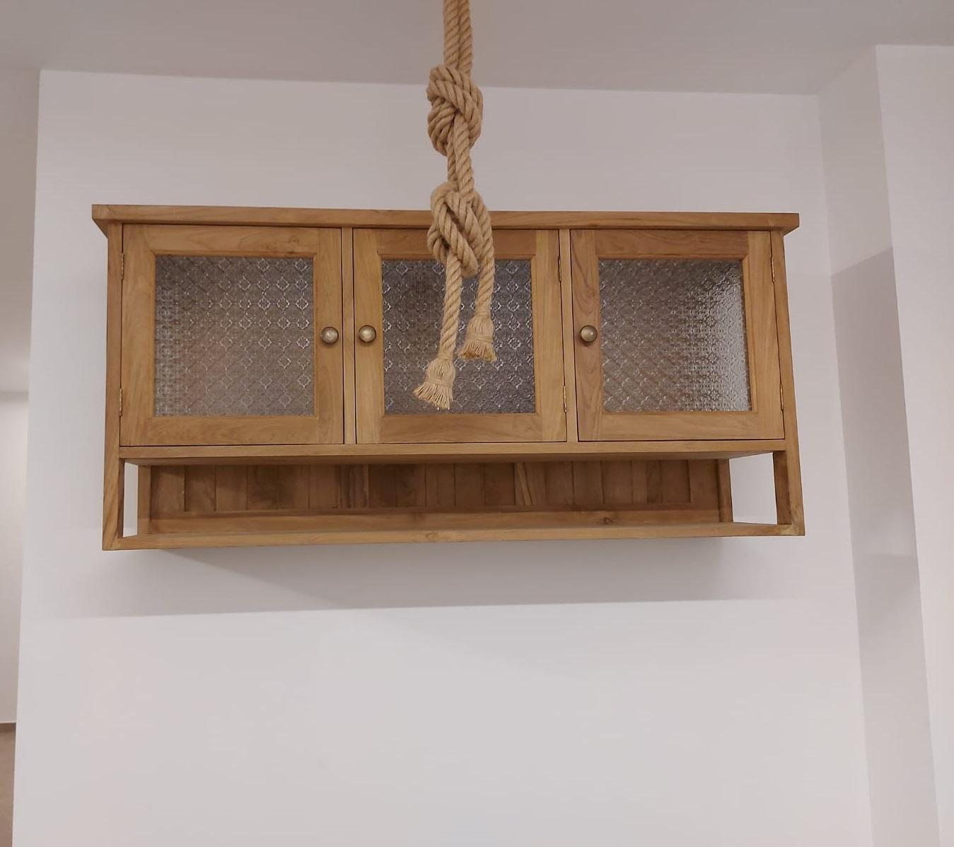 """יחידת איחסון עץ מלא טיק בשילוב זכוכית סבתא במחיר מבצע: 2,800 ש""""ח"""