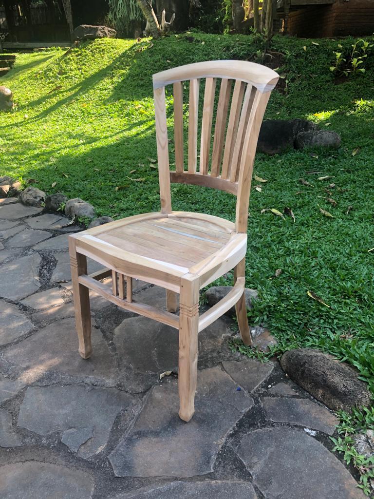"""כיסא דגם אייבי עץ טיק במחיר מבצע: 890 ש""""ח"""