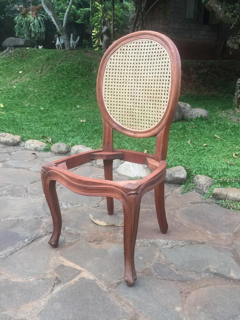 """כיסא עץ מלא גב רשת וינאית במחיר מבצע: 1,200 ש""""ח"""