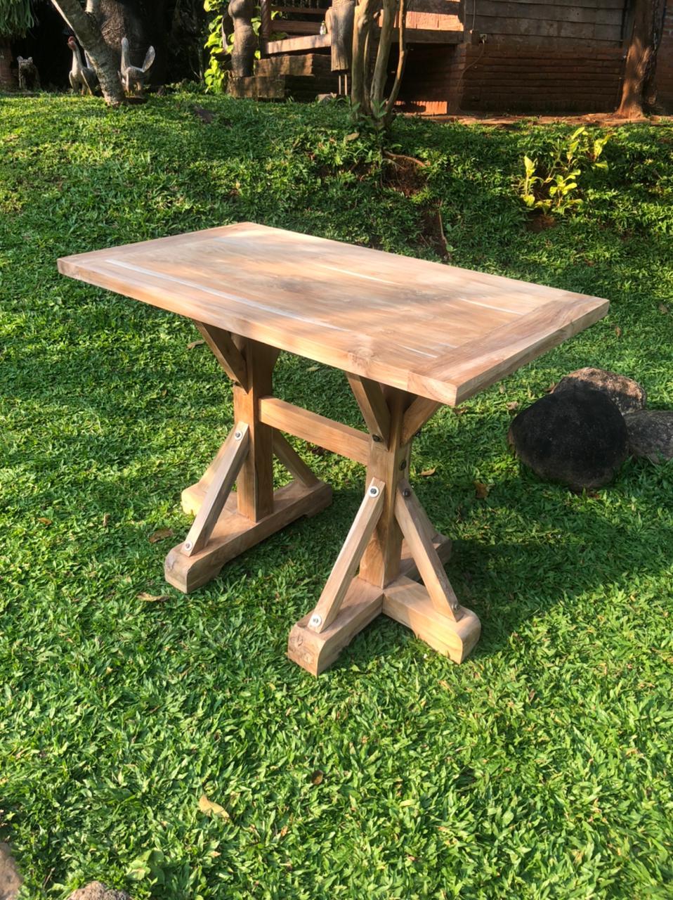 """שולחן בר עץ מלא טיק במחיר מבצע: 3,800 ש""""ח"""