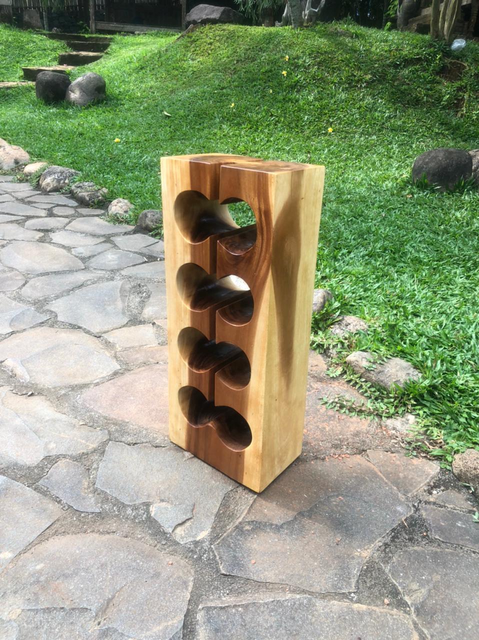 """מעמד יין גזע ייחודי 8 בקבוקים במחיר מבצע: 890 ש""""ח"""