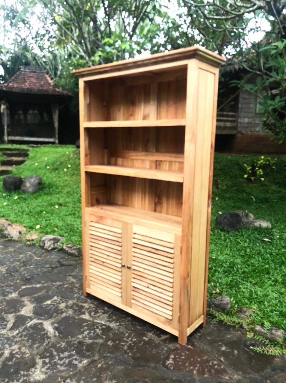 """ספרייה דגם 5133 עץ מלא 2 דלתות תריס במחיר מבצע: 3,200 ש""""ח"""