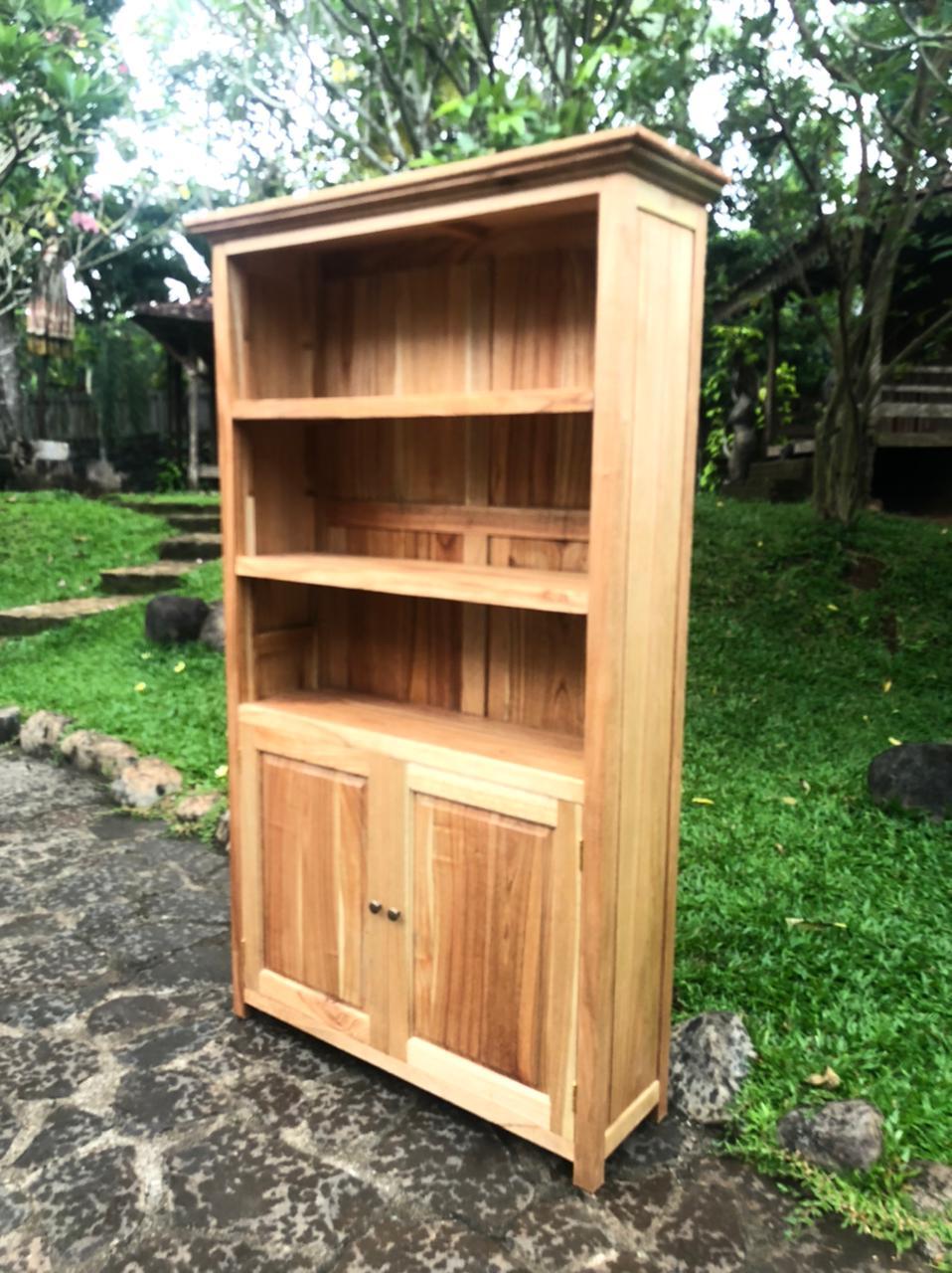 """ספרייה דגם 5133 עץ מלא 2 דלתות במחיר מבצע: 3,200 ש""""ח"""