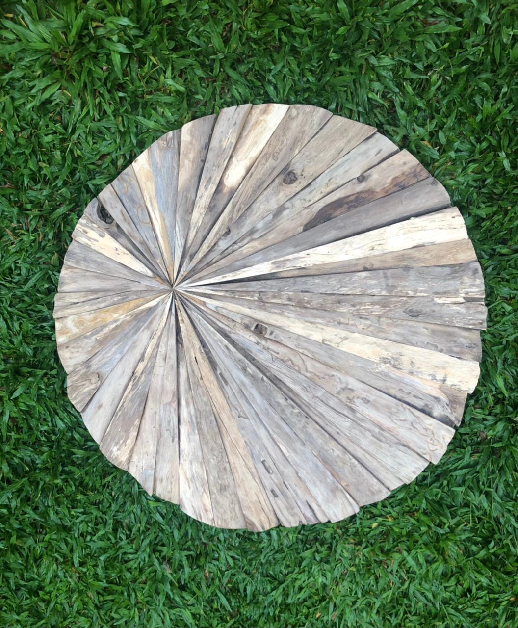 """תמונת קיר עגולה עץ טיק במחיר מבצע: 690 ש""""ח"""
