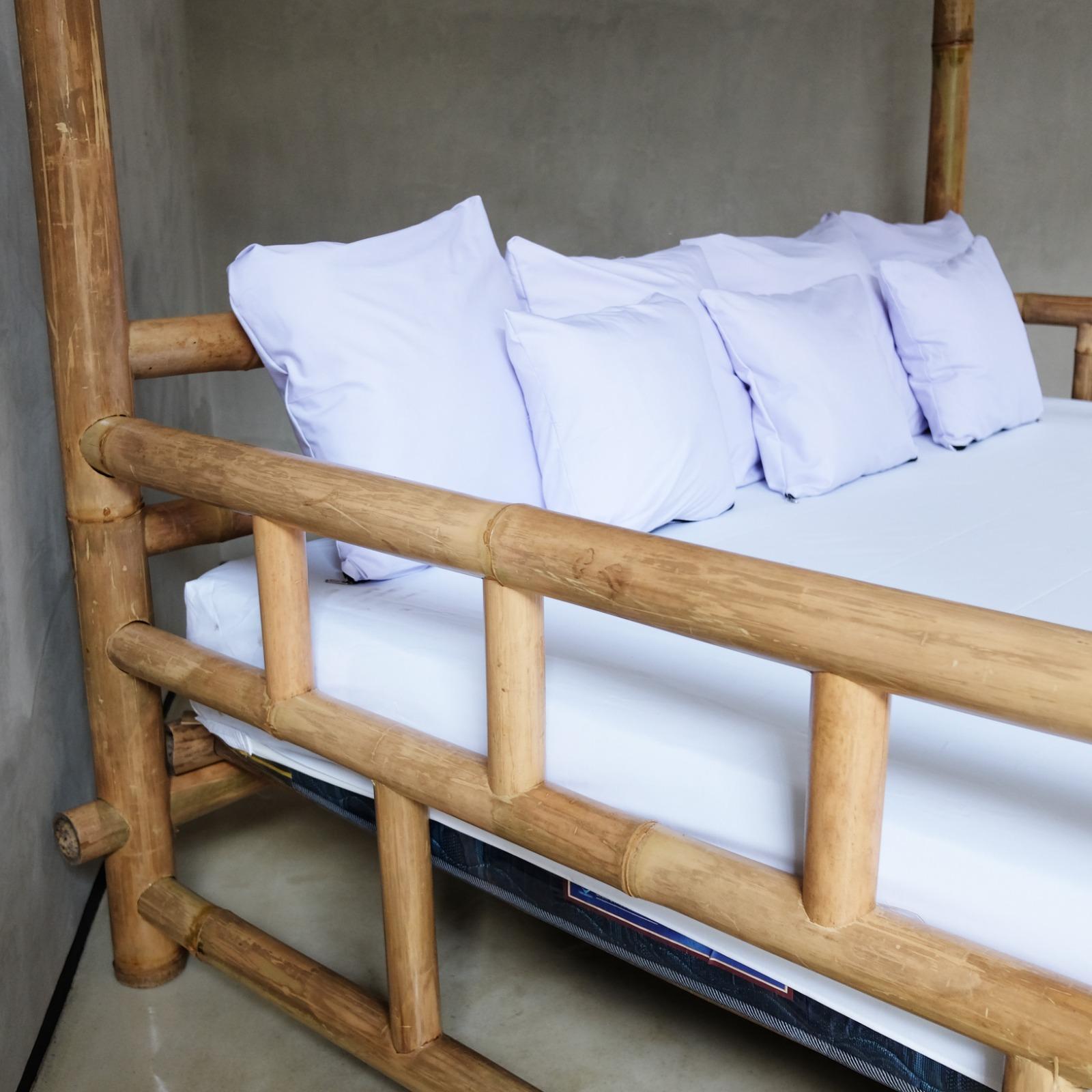 מיטת אפיריון במבוק