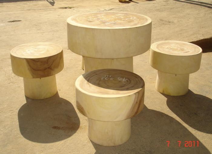 Round Stool set calima wood pic2