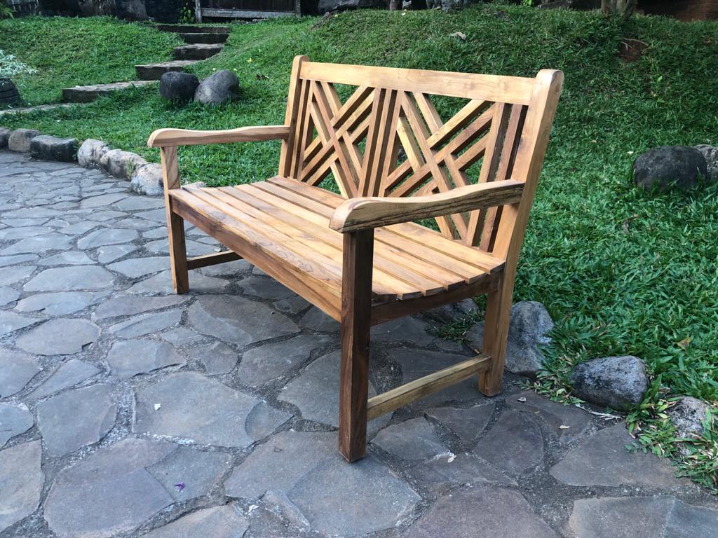 ספסל עץ מלא טיק גב איקס רגל ישרה במחיר מבצע: 1,800