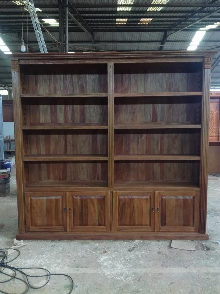 """ספרייה עץ מלא מהגוני בגימור רוסטיק במחיר מבצע: 18,000 ש""""ח"""