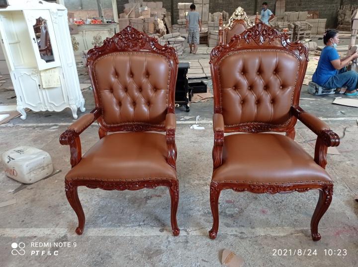 כיסא עץ מלא גילוף יד דגם 2636